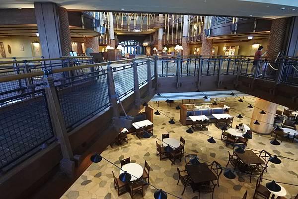 香港迪士尼探索家度假酒店:大堂 (25).JPG