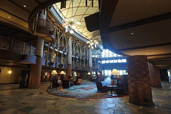 香港迪士尼探索家度假酒店:大堂 (28).JPG