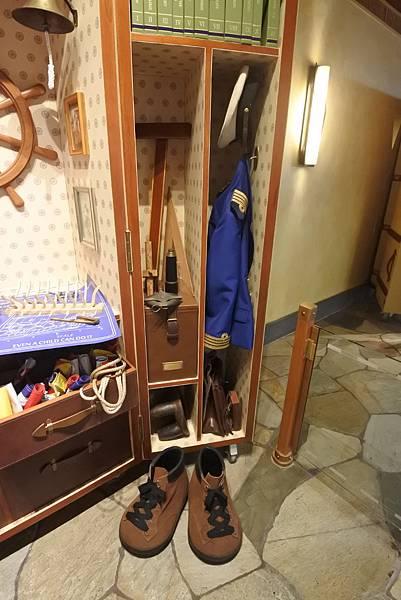 香港迪士尼探索家度假酒店:大堂 (36).JPG