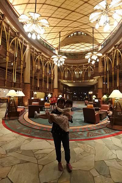 香港迪士尼探索家度假酒店:大堂 (48).JPG