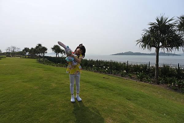 香港迪士尼探索家度假酒店:小海龜庭園 (26).JPG