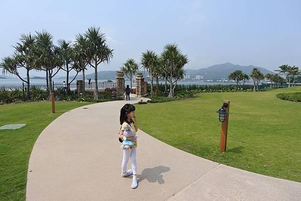 香港迪士尼探索家度假酒店:小海龜庭園 (33).JPG