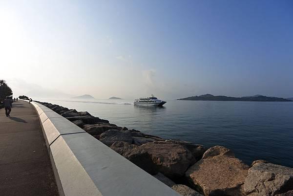 香港迪士尼探索家度假酒店:海濱長廊 (1).JPG