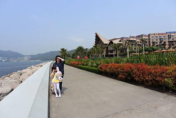 香港迪士尼探索家度假酒店:海濱長廊 (6).JPG
