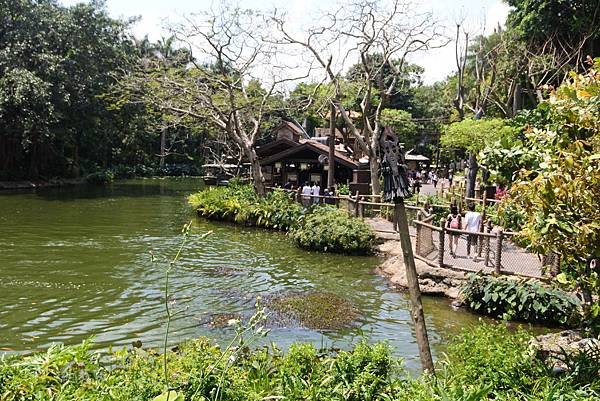 香港迪士尼樂園:森林河流之旅+加利布尼市集 (2).JPG
