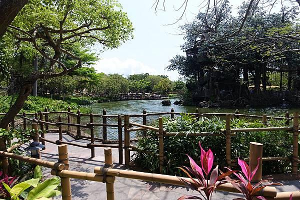 香港迪士尼樂園:森林河流之旅+加利布尼市集 (14).JPG