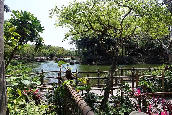香港迪士尼樂園:森林河流之旅+加利布尼市集 (13).JPG