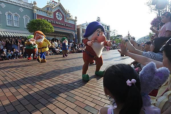 香港迪士尼樂園:迪士尼明星嘉年華列車 (42).JPG