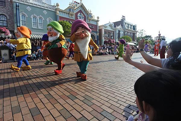 香港迪士尼樂園:迪士尼明星嘉年華列車 (43).JPG
