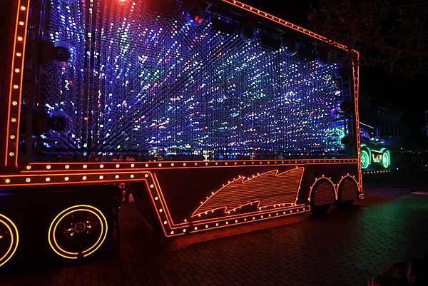 香港迪士尼樂園:「迪士尼光影匯」夜間巡遊 (2).JPG