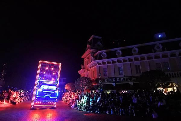 香港迪士尼樂園:「迪士尼光影匯」夜間巡遊 (6).JPG