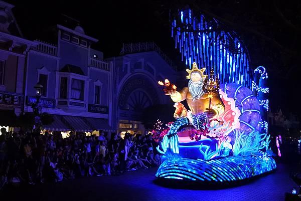 香港迪士尼樂園:「迪士尼光影匯」夜間巡遊 (8).JPG