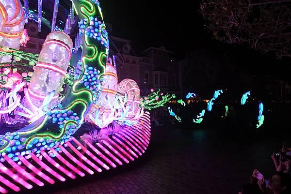 香港迪士尼樂園:「迪士尼光影匯」夜間巡遊 (11).JPG