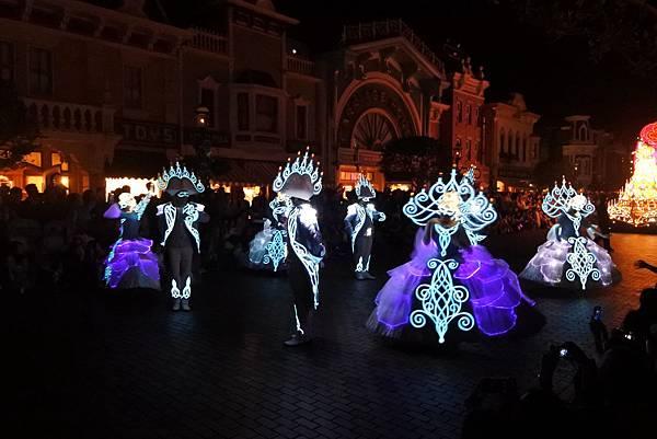 香港迪士尼樂園:「迪士尼光影匯」夜間巡遊 (13).JPG