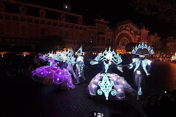 香港迪士尼樂園:「迪士尼光影匯」夜間巡遊 (14).JPG