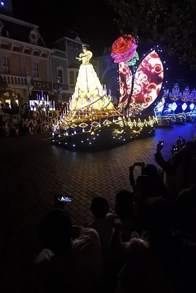 香港迪士尼樂園:「迪士尼光影匯」夜間巡遊 (17).JPG