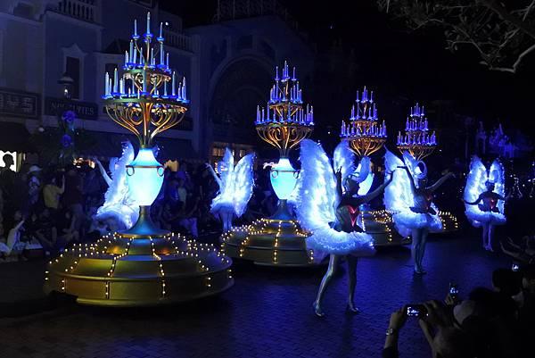 香港迪士尼樂園:「迪士尼光影匯」夜間巡遊 (20).JPG
