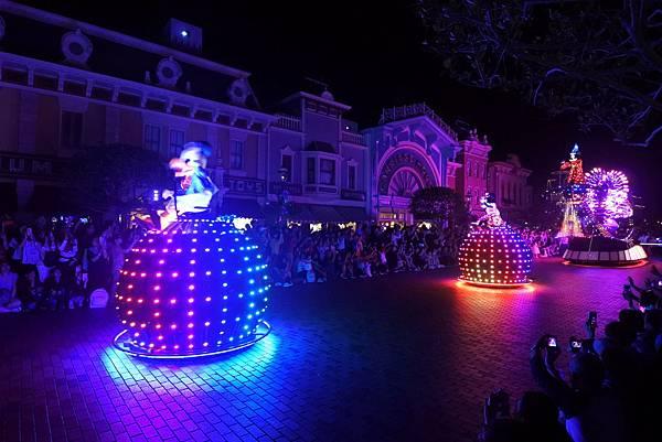 香港迪士尼樂園:「迪士尼光影匯」夜間巡遊 (27).JPG