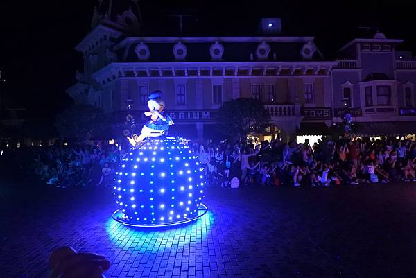 香港迪士尼樂園:「迪士尼光影匯」夜間巡遊 (28).JPG
