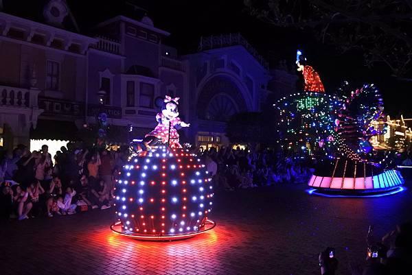 香港迪士尼樂園:「迪士尼光影匯」夜間巡遊 (29).JPG