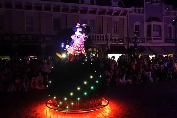 香港迪士尼樂園:「迪士尼光影匯」夜間巡遊 (30).JPG