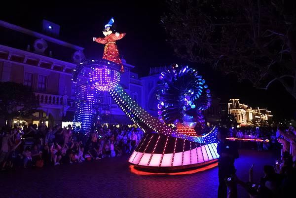 香港迪士尼樂園:「迪士尼光影匯」夜間巡遊 (31).JPG