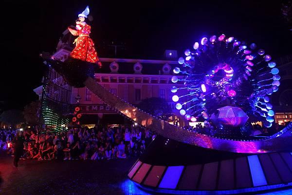 香港迪士尼樂園:「迪士尼光影匯」夜間巡遊 (32).JPG