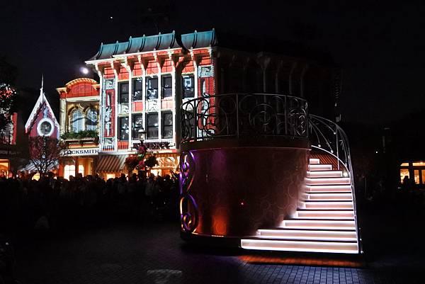 香港迪士尼樂園:「迪士尼光影匯」夜間巡遊 (34).JPG