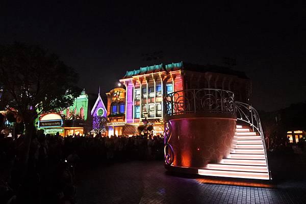香港迪士尼樂園:「迪士尼光影匯」夜間巡遊 (37).JPG