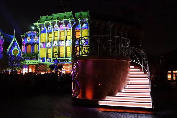 香港迪士尼樂園:「迪士尼光影匯」夜間巡遊 (38).JPG