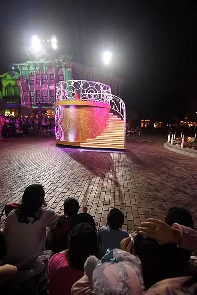 香港迪士尼樂園:「迪士尼光影匯」夜間巡遊 (43).JPG
