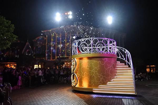 香港迪士尼樂園:「迪士尼光影匯」夜間巡遊 (47).JPG