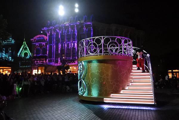 香港迪士尼樂園:「迪士尼光影匯」夜間巡遊 (48).JPG
