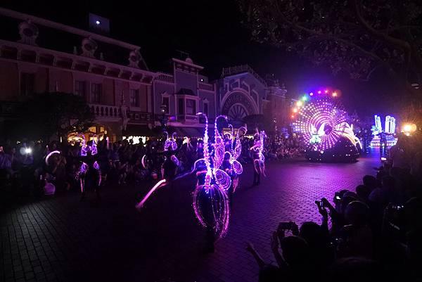 香港迪士尼樂園:「迪士尼光影匯」夜間巡遊 (52).JPG