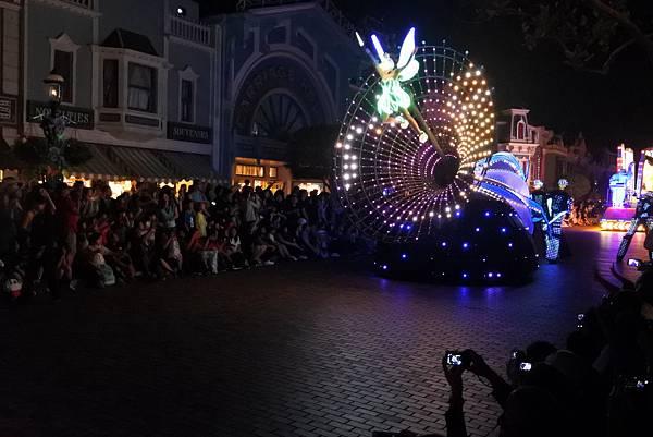 香港迪士尼樂園:「迪士尼光影匯」夜間巡遊 (53).JPG