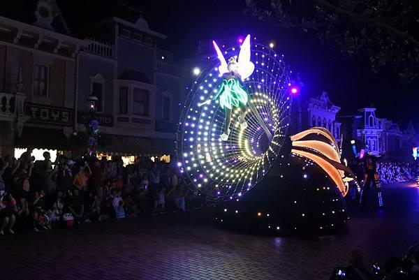 香港迪士尼樂園:「迪士尼光影匯」夜間巡遊 (54).JPG