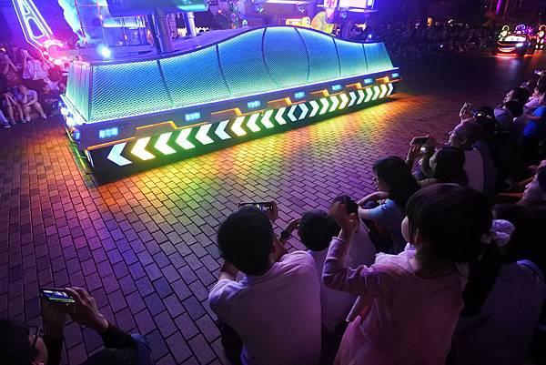 香港迪士尼樂園:「迪士尼光影匯」夜間巡遊 (59).JPG