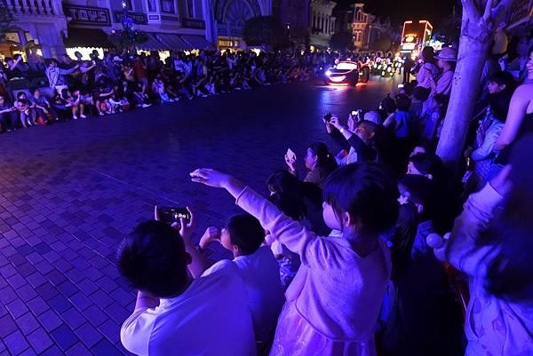 香港迪士尼樂園:「迪士尼光影匯」夜間巡遊 (61).JPG
