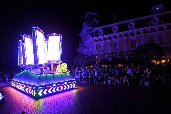 香港迪士尼樂園:「迪士尼光影匯」夜間巡遊 (62).JPG