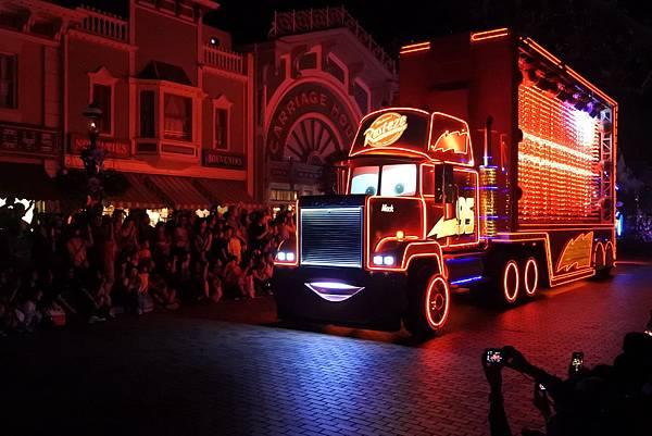 香港迪士尼樂園:「迪士尼光影匯」夜間巡遊 (66).JPG