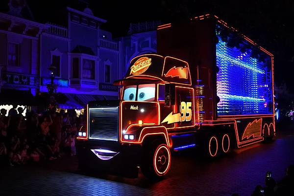 香港迪士尼樂園:「迪士尼光影匯」夜間巡遊 (67).JPG
