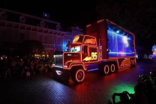 香港迪士尼樂園:「迪士尼光影匯」夜間巡遊 (68).JPG