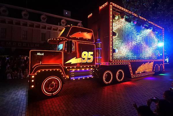 香港迪士尼樂園:「迪士尼光影匯」夜間巡遊 (69).JPG