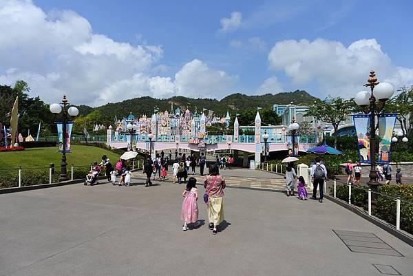 香港迪士尼樂園 (16).JPG