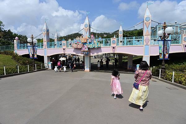 香港迪士尼樂園 (17).JPG