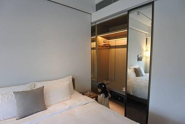 香港Hotel Stage登臺:豪華客房 (9).JPG