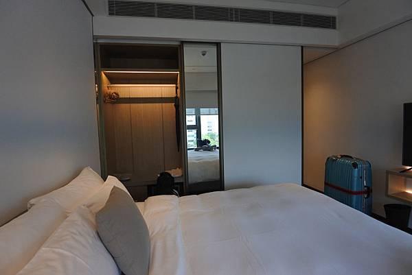 香港Hotel Stage登臺:豪華客房 (10).JPG