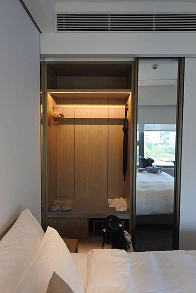 香港Hotel Stage登臺:豪華客房 (11).JPG