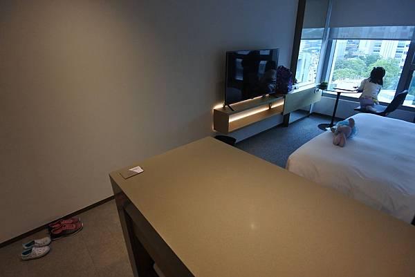 香港Hotel Stage登臺:豪華客房 (26).JPG