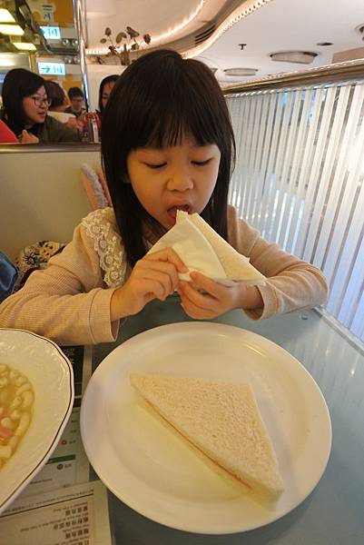 香港翠華餐廳 (12).JPG